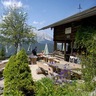 Aussicht auf der Brunnstein Hütte genießen. Foto: DAV