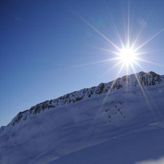 Schwärzenkamm - Hoffentlich Piz-Buin-versichert: Wenn die Sonne hinterm Schwärzenkamm brennt, steigen die UV-Werte.