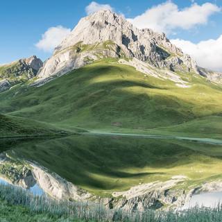 Alpsee-oberhalb-der-Ravensburger-Hütte lechquellenrunde-@-Thomas-Eder