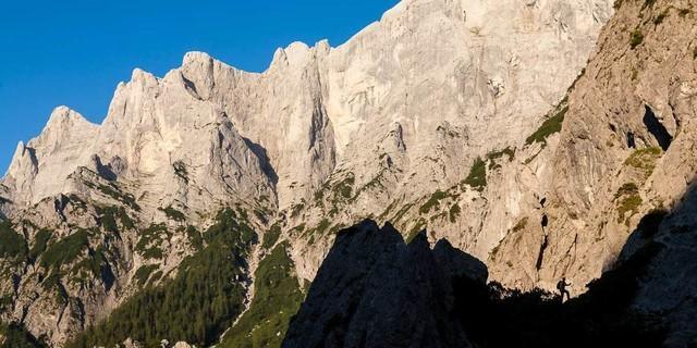 Hochtorgruppe - Die imposanten Felsflanken der Hochtorgruppe. Foto: Iris Kürschner
