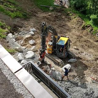 Vorbereitungen Hangweg zu unterer Ebene und neuer Tipi-Platz, 28.05.2020; Foto: Jubi/Wolfgang Mayr