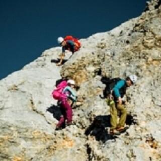 Schlüsselstelle - Eine erste Schlüsselstelle ist eine circa 20 Meter lange Kletterpassage zum Abklettern.