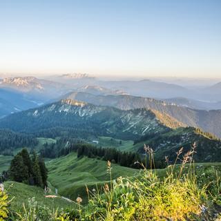 Blick vom Hochgern in die Alpen (c)Chiemgau Tourismus e.V. (1)