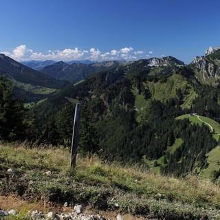 Die bereits so gut wie schneefreien Chiemgauer Alpen sind am Wochenende eine gute Wahl. Foto M. Pröttel