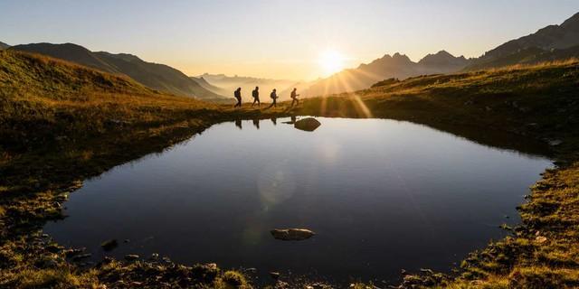 Sonnenuntergang oberhalb von Sankt Anton am Arlberg, Foto: Wolfgang Ehn