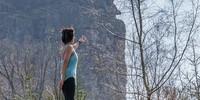 Ein Blick in Sehnsucht auf die Bruchhauser Steine – wird irgendwann alles gut? Foto: Mathias Weck