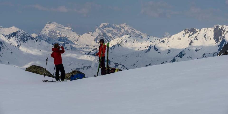 Abfellen am Gafluner Winterjöchle mit Blick nach Westen (Vorarlberg), Foto: Wolfgang Ehn