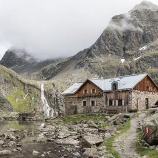 In bezaubernder Lage - die Winnebachseehütte in den Stubaier Alpen, Foto: DAV/Oliver Guse