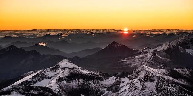 Sonnenaufgang vom Gipfel des Großglockners aus. Foto: Heinz Zak