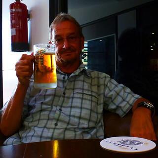 Prost: Die Cerveza schmeckt nach der Wanderung auch einem Rothaus-verwöhnten Freiburger. Foto: Josef Schlegel