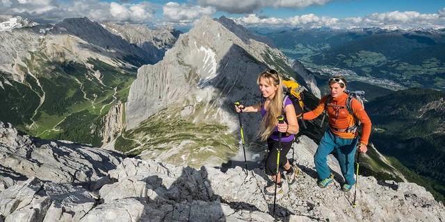 Beim Aufstieg zum Kleinen Lafatscher sieht man schön auf die Speckkarspitze. Foto: Heinz Zak