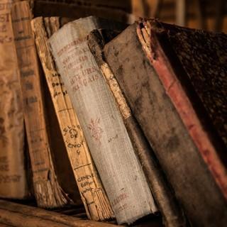 Nicht alle unserer Buchempfehlungen sind so alt. Foto: pixabay