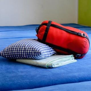 Gäste müssen künftig Kissen und Schlafsack selbst mitbringen. Foto: DAV/Hauke Bendt