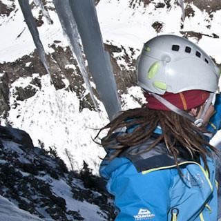 """Caro und Charlotte am Ausstieg - Schlag ein!     Route """"A la recherche du temps perdu"""" 200m III/4"""