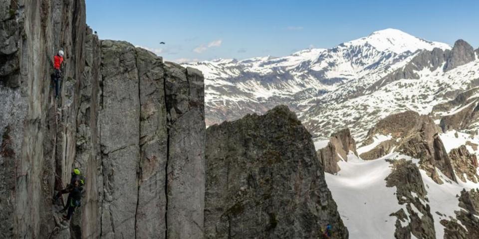 Im Gipfelbereich des Brevent reicht der Blick bis zum Mont Buet. Foto: DAV / Silvan Metz
