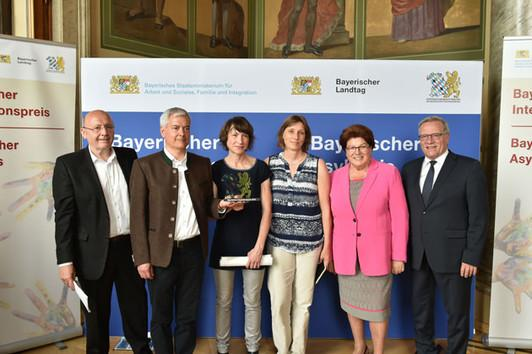 Integrationspreis Fur Sektion Garching Meine Neue Heimat News Home Deutscher Alpenverein Dav