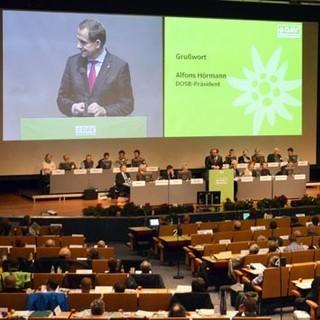 DOSB-Präsident Alfons Hörmann richtet sein Grüßwort an die Delegierten.&nbsp&#x3B;