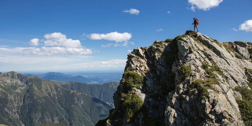 Oft sind die Gipfel über dem Val Grande felsig und ausgesetzt, wie an der Cima della Laurasca. Foto: Stefan Neuhauser