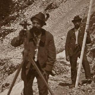 Vermessungsarbeiten bei Bau des Karwendelhauses, 1906. Archiv des DAV, München