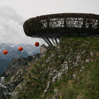 Stählerne Aussichtsplattform im Rofan. (Foto: DAV/F. Kaiser)