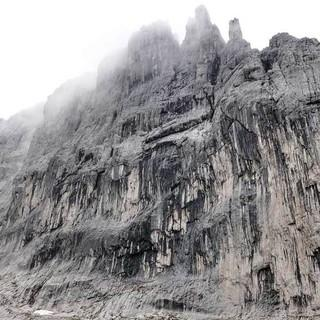 Viele Kletterrouten durchziehen die Fleischbank-Ostwand im Kaisergebirge, Foto: Christian Rauch
