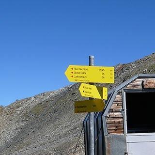 Gernot-Röhr-Biwak - Das Gernot-Röhr-Biwak bietet Windschutz vor dem Aufstieg zum Bösen Weibl.