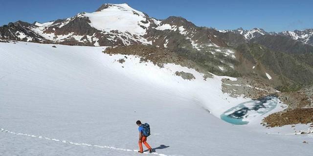Ein bisschen Eis gibt's noch am Aperer-Feuerstein-Ferner – wie lange noch? Foto: Stefan Herbke