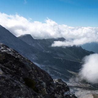 <p>Steiler Zahn: Fotogener Schlusspunkt der Fuorikante – aber zum Gipfel, und ins Tal, ist es noch ein Stück.</p>  <p>Foto: Ralf Gantzhorn</p>