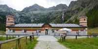 Ehemals ein königliches Jagdhaus, wird das Rifugio Valasco heute als Bergunterkunft genutzt. Foto: Joachim Chwascza
