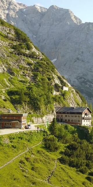 Auch das Karwendelhaus bietet außerhalb der Bewirtschaftungszeit einen Winterraum an. Foto: DAV/Andreas Ruech