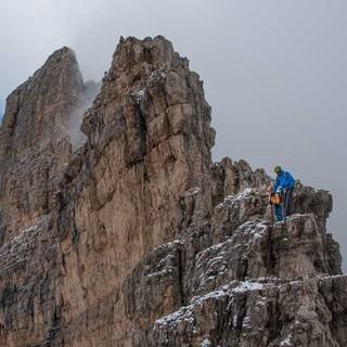Auch der Abstieg vom Bochette Alte hat es in sich und verlangt konzentriertes Bewegen auf Steig und Leitern. Foto: Ralf Gantzhorn