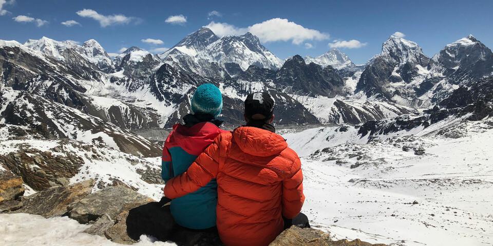 Pause im Himalaya mit Blick auf den Mount Everest. Foto: privat