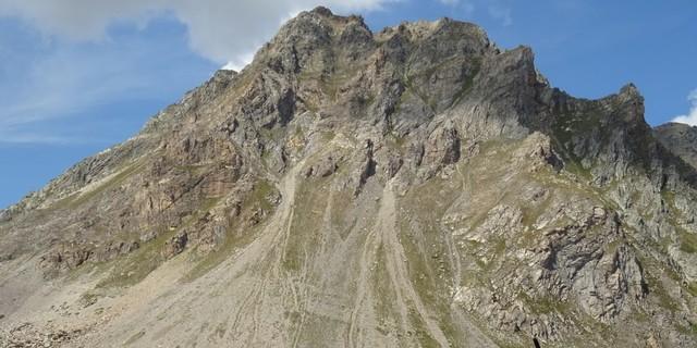 Tag 7: Richtung Mont Thabor empfängt dessen Nachbar Le Mounioz zur Pause mit sagenhafter Aussicht.