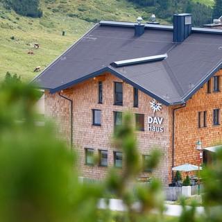 DAV-Haus Obertauern im Sommer, Foto: DAV/Marco Kost