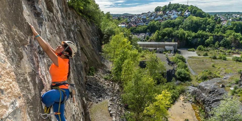 "Der Oberhagen bei Bitburg wird mal ein Idyll: Thihamy Nguyen in ""Linn Jipp"" (VI). Foto: Mathias Weck"
