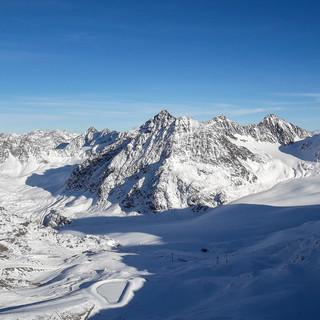 Überblick über das zu erschließende Gebiet rund um den Linken Fernerkogel mit Mittelbergferner. Foto: DAV/Tobias Hipp