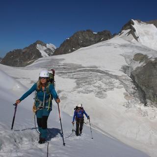Apere Gletscherbereiche werden wie hier in der Bernina (der Jahreszeit entsprechend) immer häufiger. Foto: DAV/Pröttel
