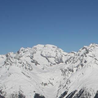 Auf dem Gipfel des Piz Titschal (2550 m)