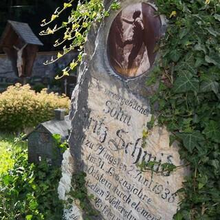 Friedhof in Johnsbach - Auf dem Friedhof von Johnsbach liegen viele bekannte Bergsteiger begraben. Foto: Iris Kürschner