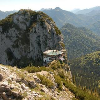 Blick auf die Tegernseer Hütte. Foto: DAV Sektion Tegernsee/Carolin Machl