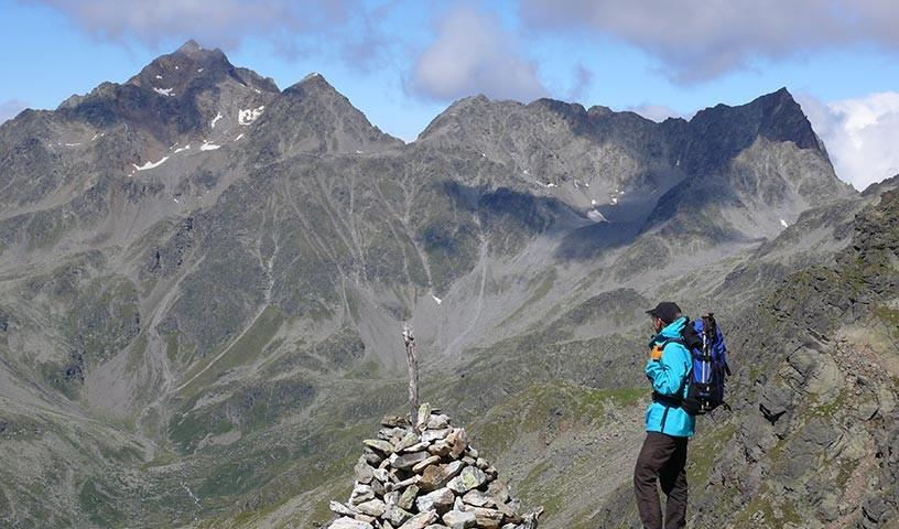 Großglockner - Hochalpine Einsamkeit prägt den Wiener Höhenweg auf der Südseite des Großglockner.