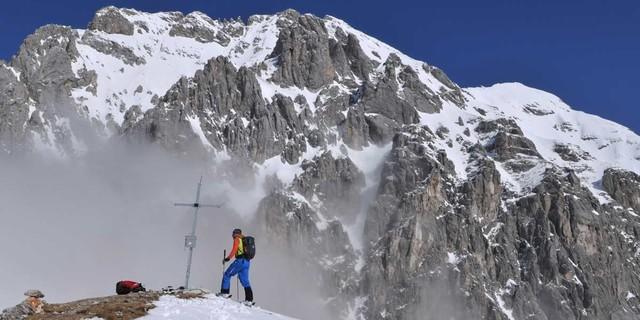 Am Grünstein - Das felsige Massiv des Grünsteins wird bei der Route clever umschifft. Foto: Stefan Herbke