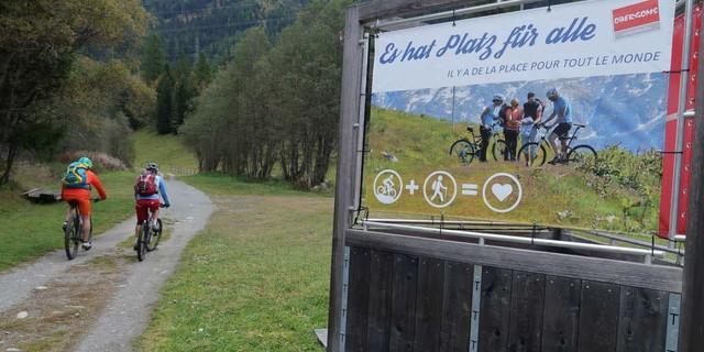 Glaciara: Mit gegenseitiger Rücksichtnahme geht es besser: in der Schweiz setzen Touristiker auf Kommunikation anstatt Kanalisierung. Foto: Traian Grigorian