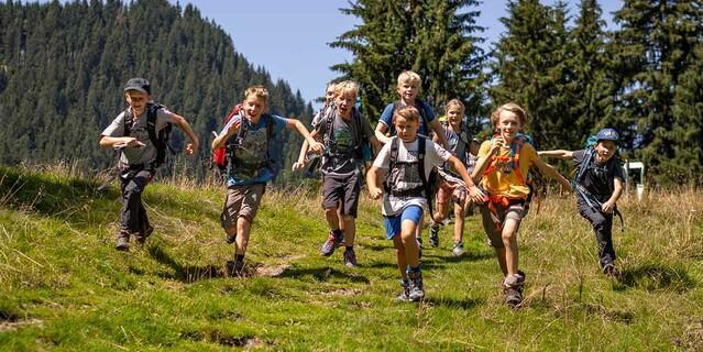 Alpinkids mit Begeisterung auf Tour, Foto: JDAV/Silvan Metz