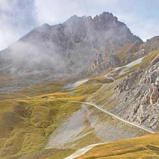 Der 2831 Meter hohe Berg Rocca la Meja thront über der Gardetta-Hochebene. Foto: Thorsten Brönner