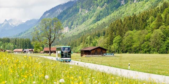 Der Münchner Bergbus in den Ammergauer Alpen. Foto: Solveig Eichner