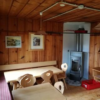 Die Stube der Comptonhütte, Foto: Herzog