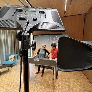 Hanna Glaeser und Simon Keller bei den Proben zum digitalen Bundesjugendleitertag 2021, Foto: JDAV/Raoul Taschinski
