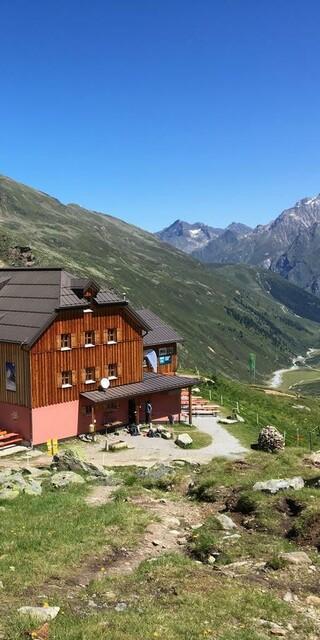Das erste Etappenziel der Pitztal-Tour, das Taschachhaus, Foto: Christoph Eder