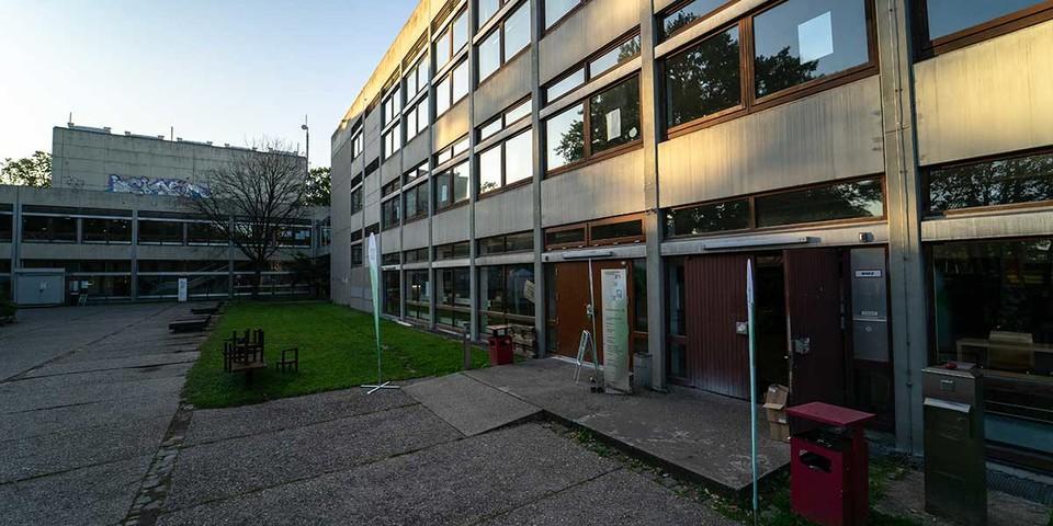 Der Veranstaltungsort, die FAU Nürnberg, von außen, Foto: JDAV/Silvan Metz